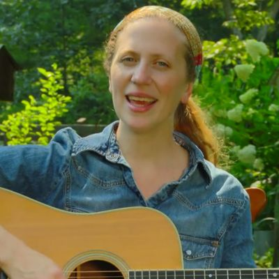 Elizabeth Mitchell: Keeping Things Simple | Smithsonian Folkways Magazine