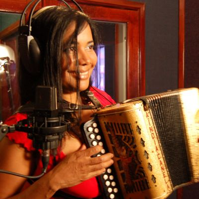 La India Canela: Dominican accordionist