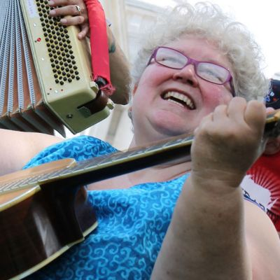 Wisconsin's Solidarity Sing Along: Making Old Labor Songs New | Smithsonian Folkways Magazine