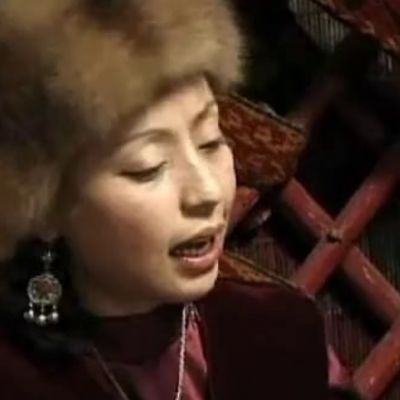 Bardic Divas: Women's Voices in Central Asia