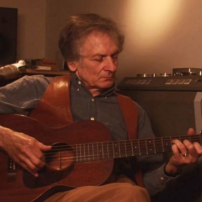 Mike Seeger Discusses Early Southern Guitar Styles