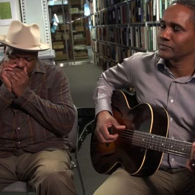 "Phil Wiggins and Mark Puryear play ""The Midnight Special"""